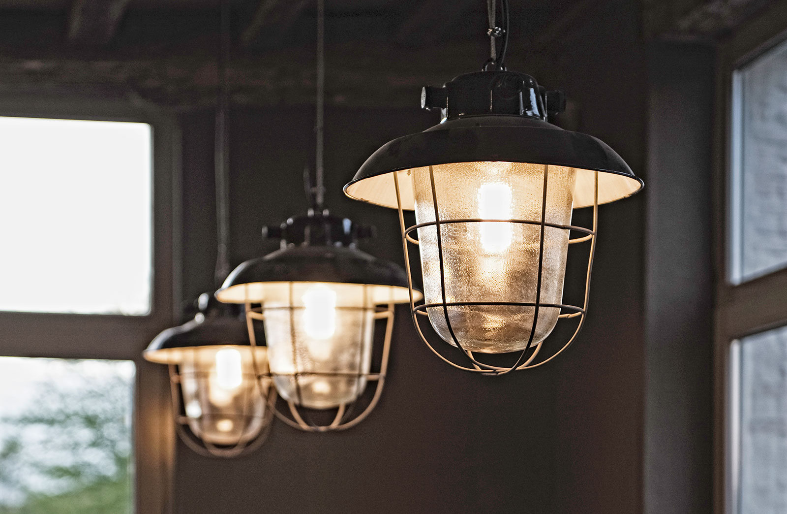 Industriele Hanglamp Keuken : Oude industri?le hanglampen – Woontheater