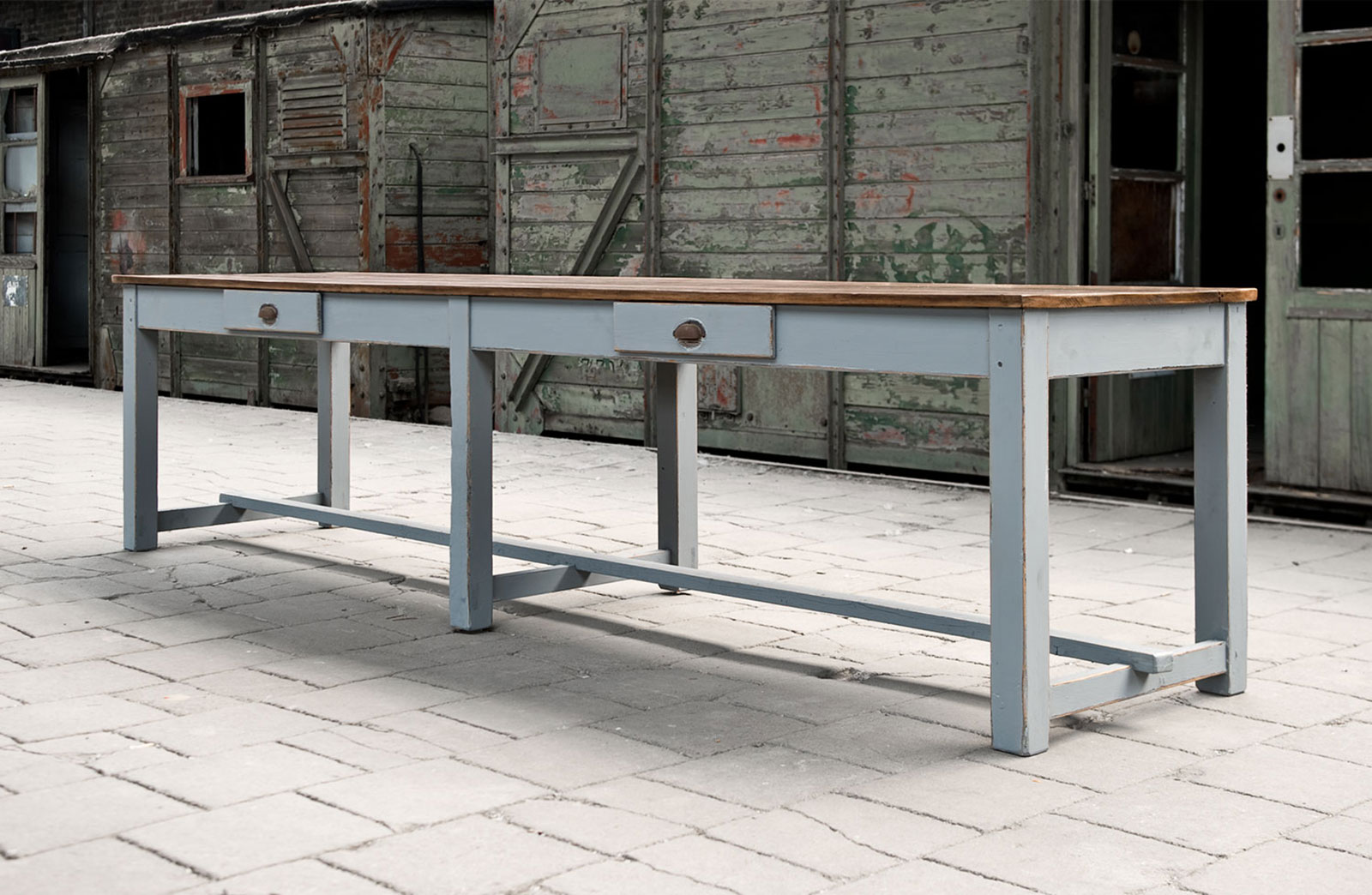Oude lange tafel   Woontheater