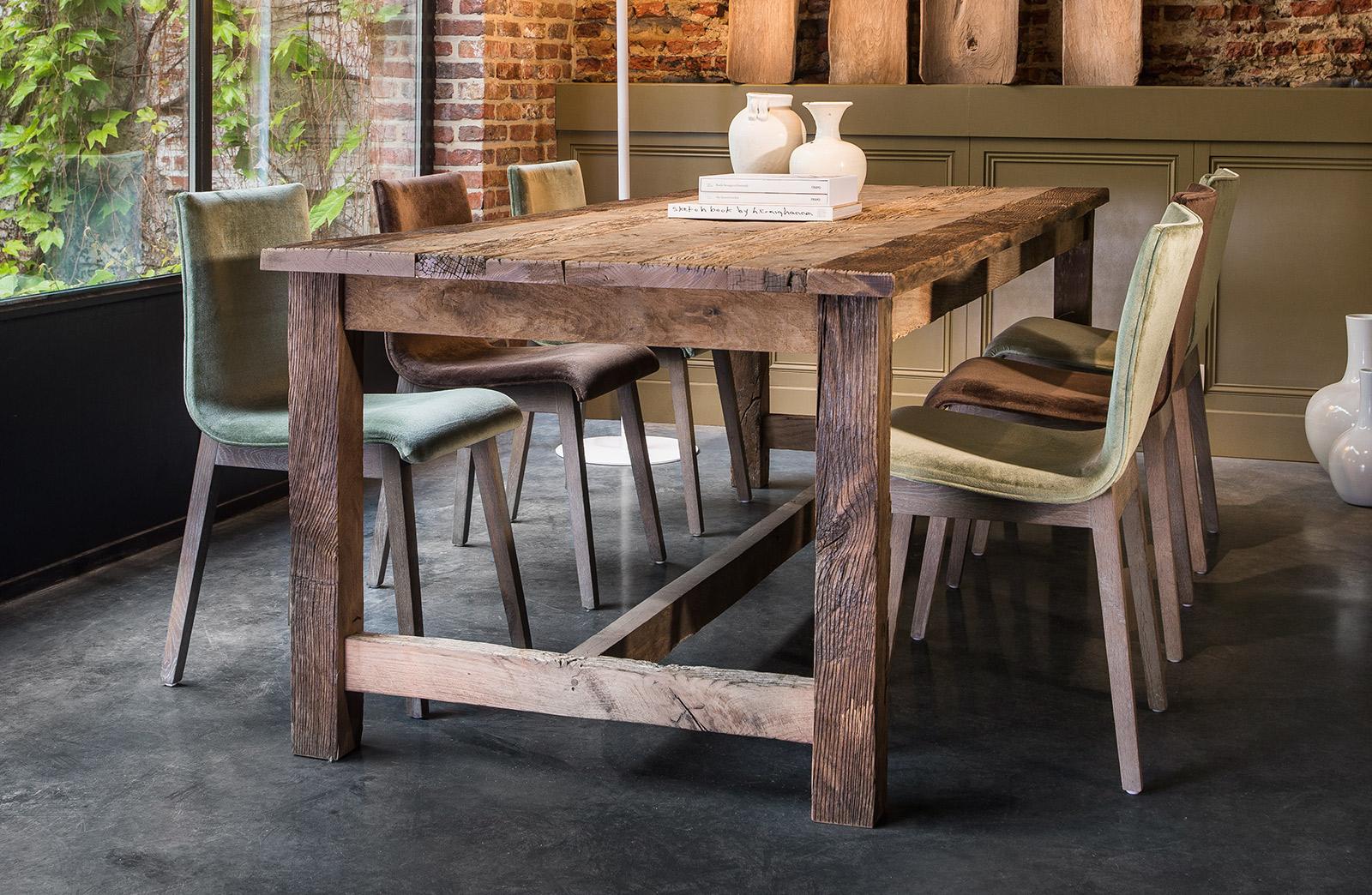 Massief eiken tafel landelijke stijl woontheater