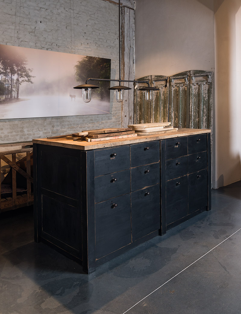 Solid Country Style Kitchen Island Matte Black With Old Oak Top