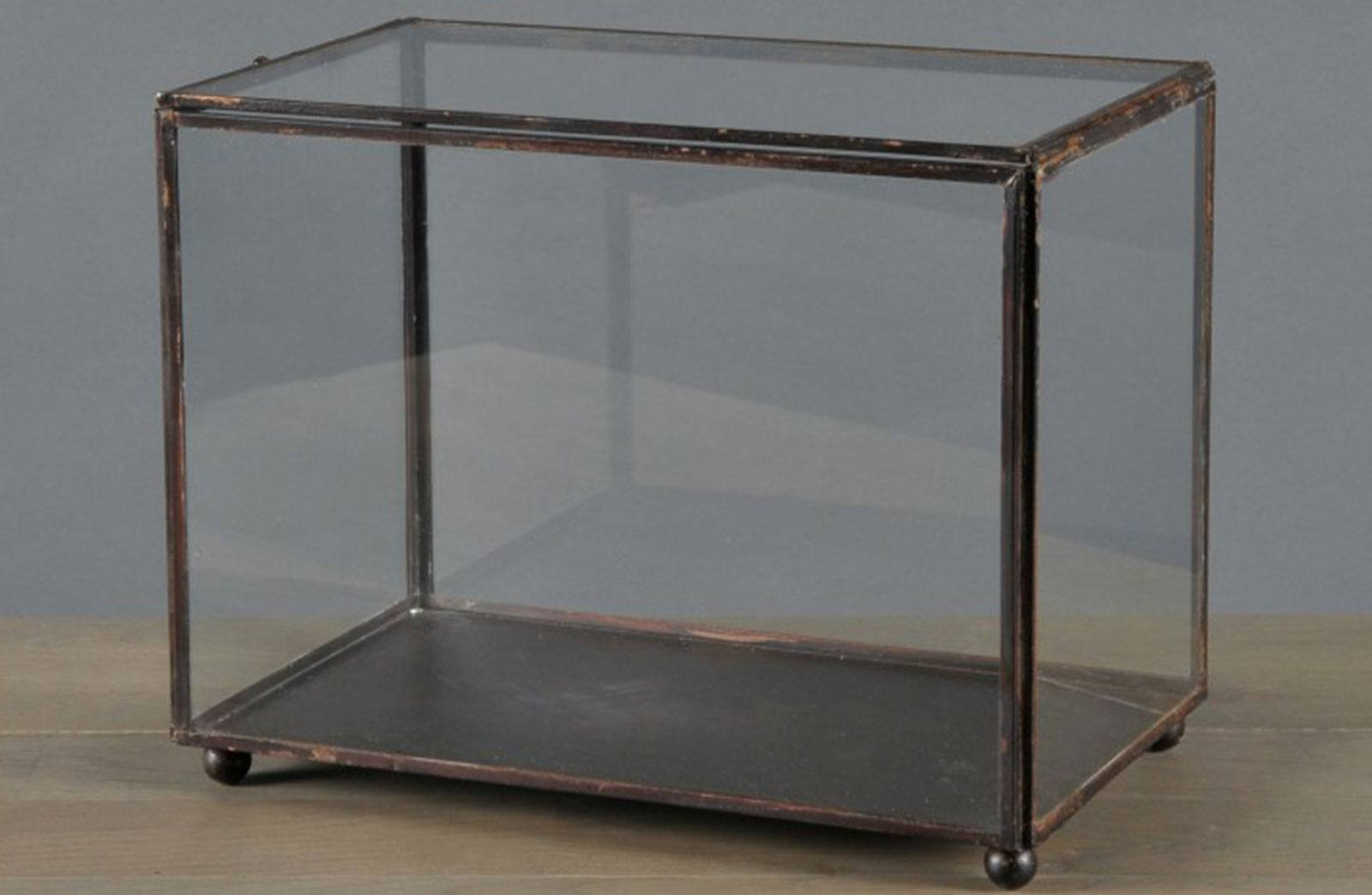 4-display-box-30-x-18-x-h-23-cm